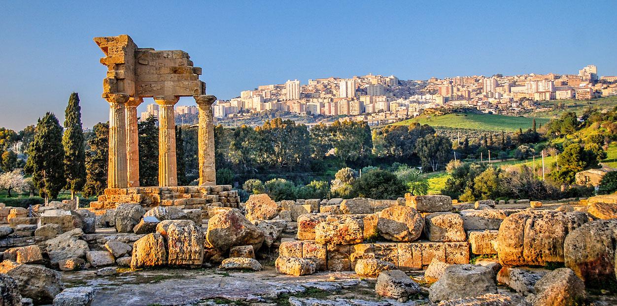 Ruinen des Tempels von Castor und Pollux
