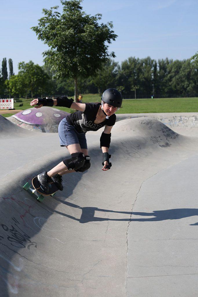 Surfskaten im Skaterpark
